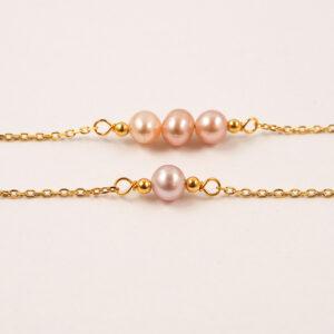 Delikatna bransoletka z perłą
