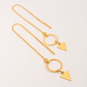 Kolczyki przekładane – łańcuszek z małym trójkątem