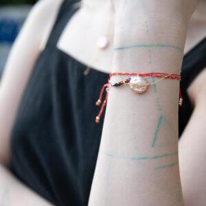 Bransoletka z nieregularną perłą