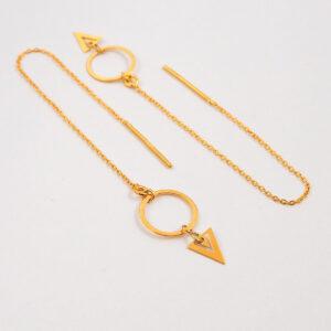 Kolczyki przekładane – łańcuszek z małym ażurowym trójkątem