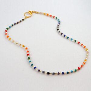 Naszyjnik kolorowy z perełkami