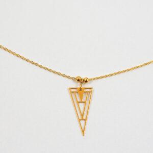 Naszyjnik z dużym ażurowym trójkątem